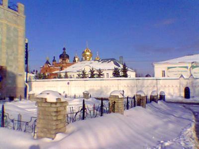 Кострома. Богоявленско-Анастасиин монастырь .Вид с ул. Симановского