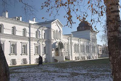 Кострома. Богоявленско-Анастасиин монастырь .На территории монастыря