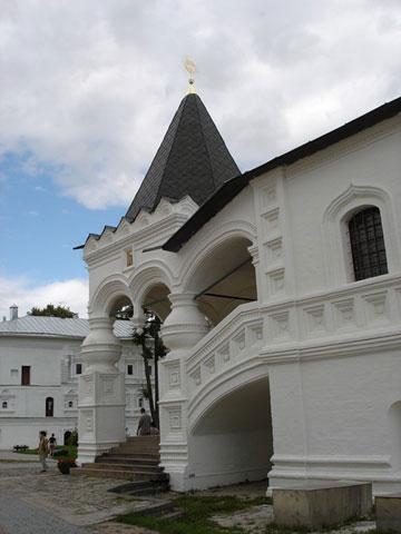 Кострома. Ипатьевский монастырь .Крыльцо Троицкого собора