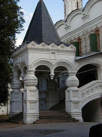 Кострома. Ипатьевский монастырь .Вход в Троицкий собор