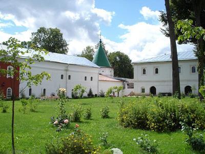 Кострома. Ипатьевский монастырь .На территории монастыря