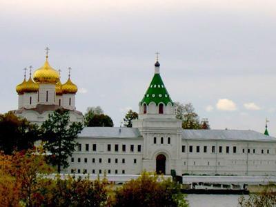 Кострома. Ипатьевский монастырь .Осенним днём