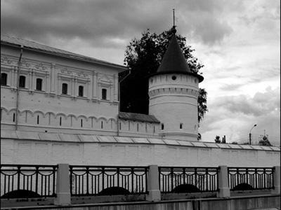 Кострома. Ипатьевский монастырь .Набережная Костромы у Ипатьевского монастыря