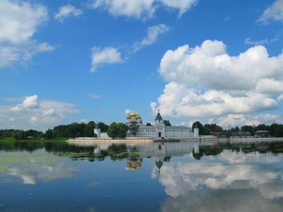 Кострома. Ипатьевский монастырь .Вид с реки Костромы