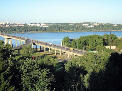 Кострома. Мост через реку Волгу .Летом