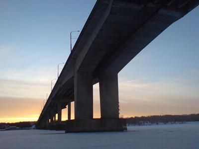 Кострома. Мост через реку Волгу .Зимним вечером