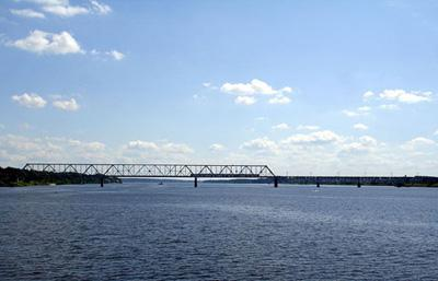 Кострома. Набережная Волги .Железнодорожный мост
