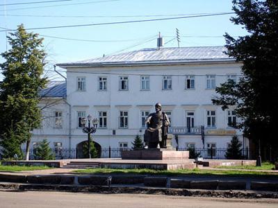 Кострома. Сусанинская площадь .Памятник Ю. Долгорукому