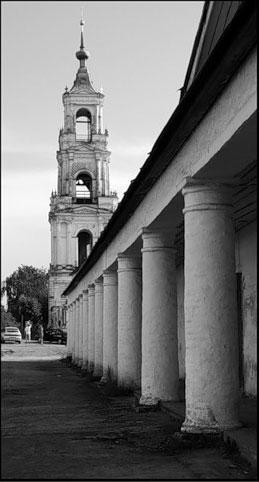 Кострома. Торговые ряды .Вид на Церковь Спаса