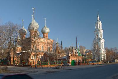 Кострома. Церковь Воскресения на Дебре .Панорама с ул. Кооперации
