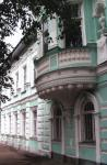 Кострома. Усадьба Колодезниковой .Летний декор фасада главного дома