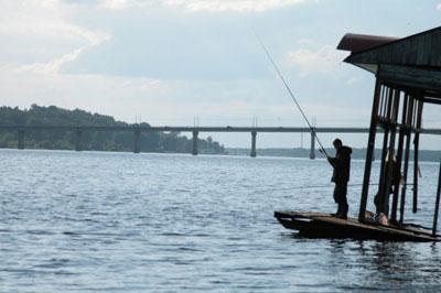 Кострома. Мост через реку Волгу
