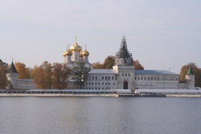 Кострома. Ипатьевский монастырь .Вид с реки